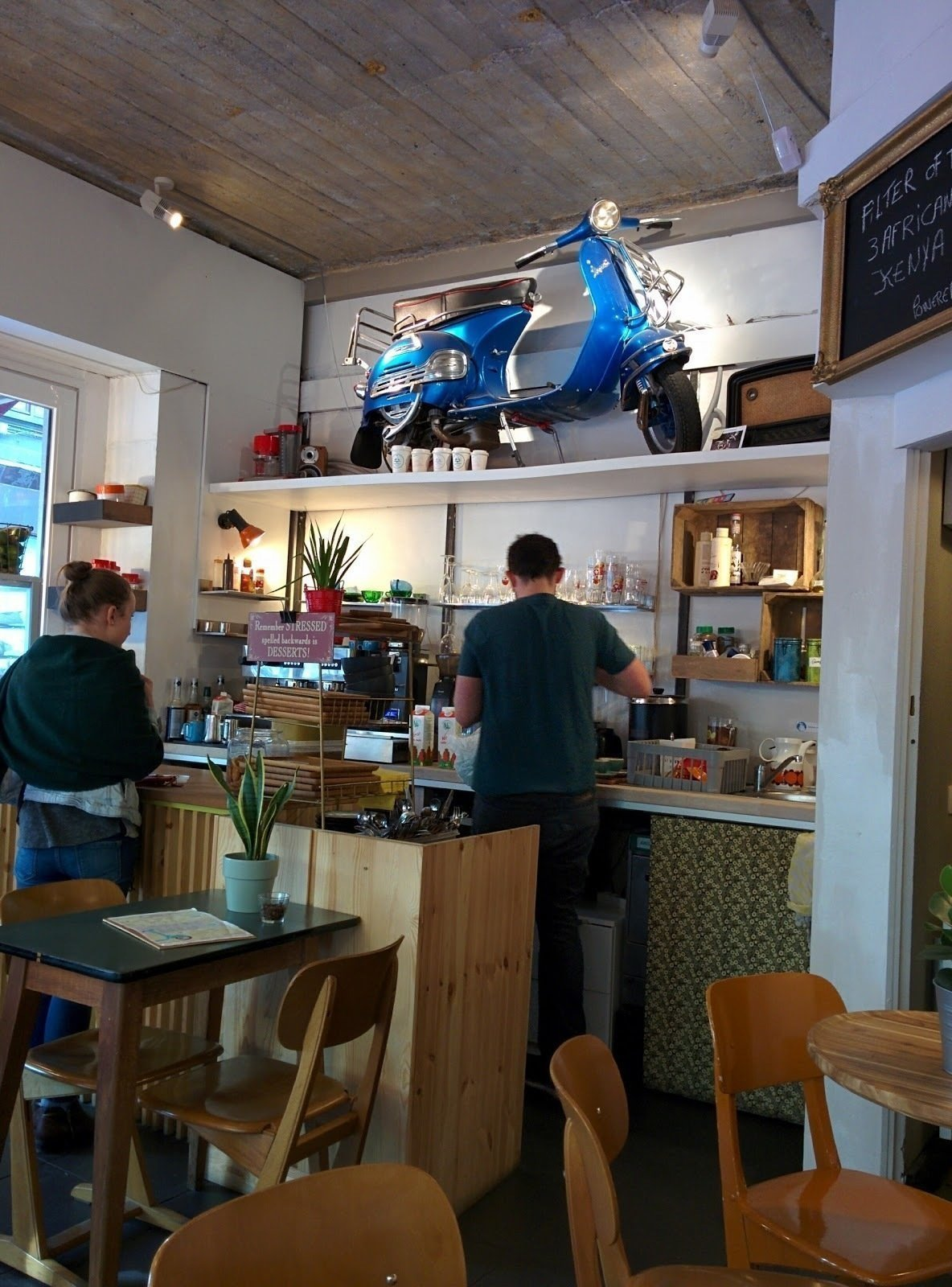 Tartoer - Coffee (Vespa) Bar: A Work-Friendly Place in Antwerp
