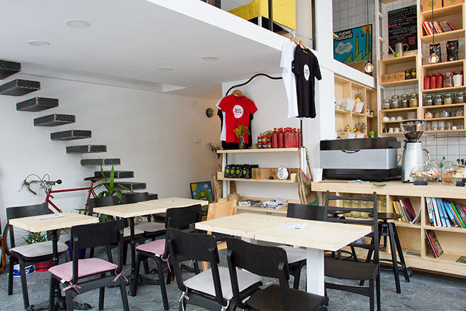 Supernatural Bar: A Work-Friendly Place in Belgrade