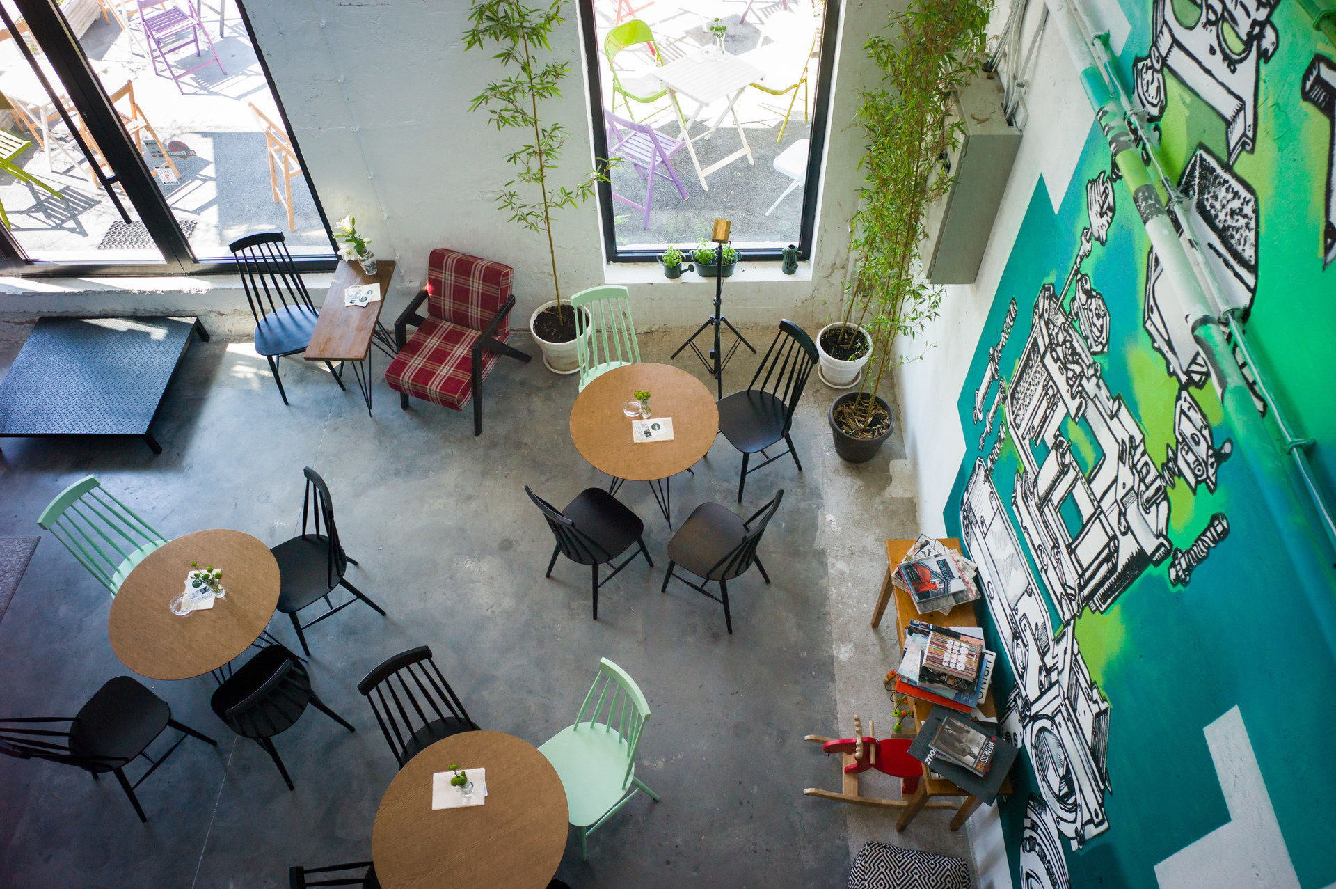 Zoom Art Cafe & Photo Studio: A Work-Friendly Place in Belgrade