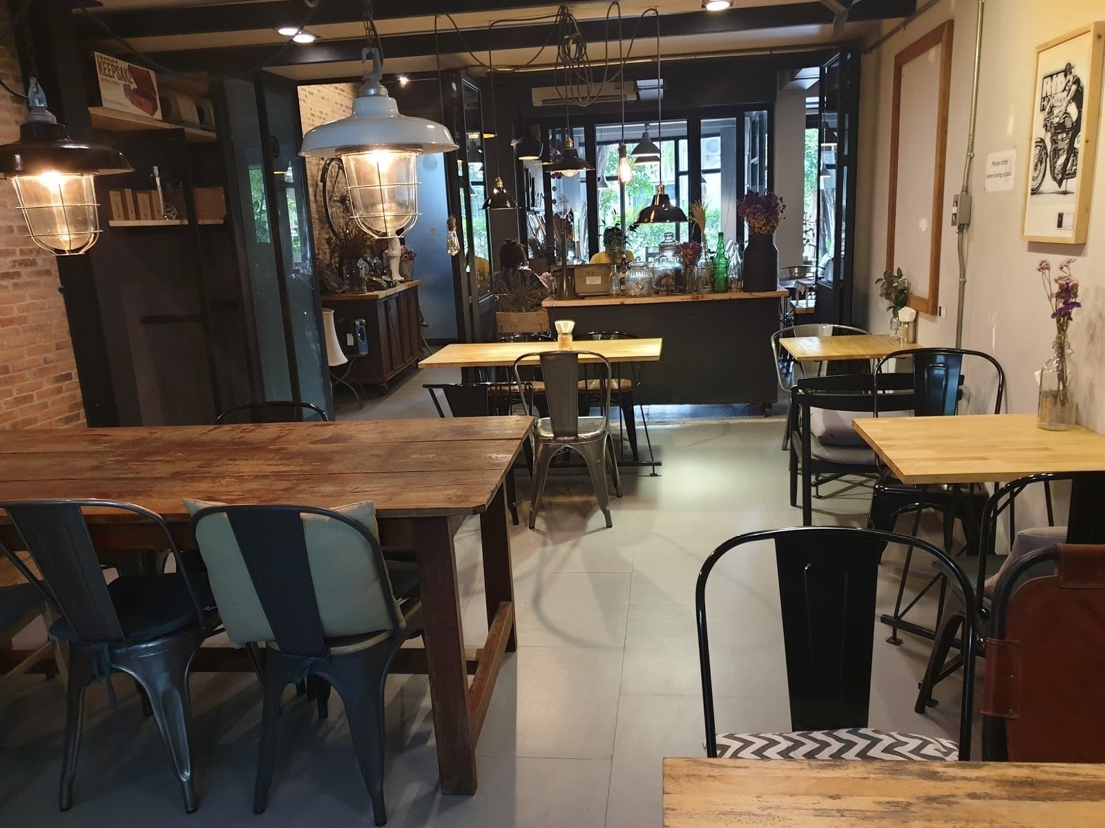 Ombra Caffe: A Work-Friendly Place in Chiang Mai