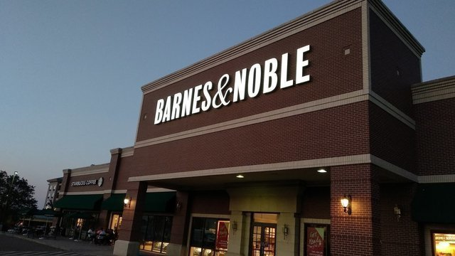 Barnes & Noble (Colorado Blvd)