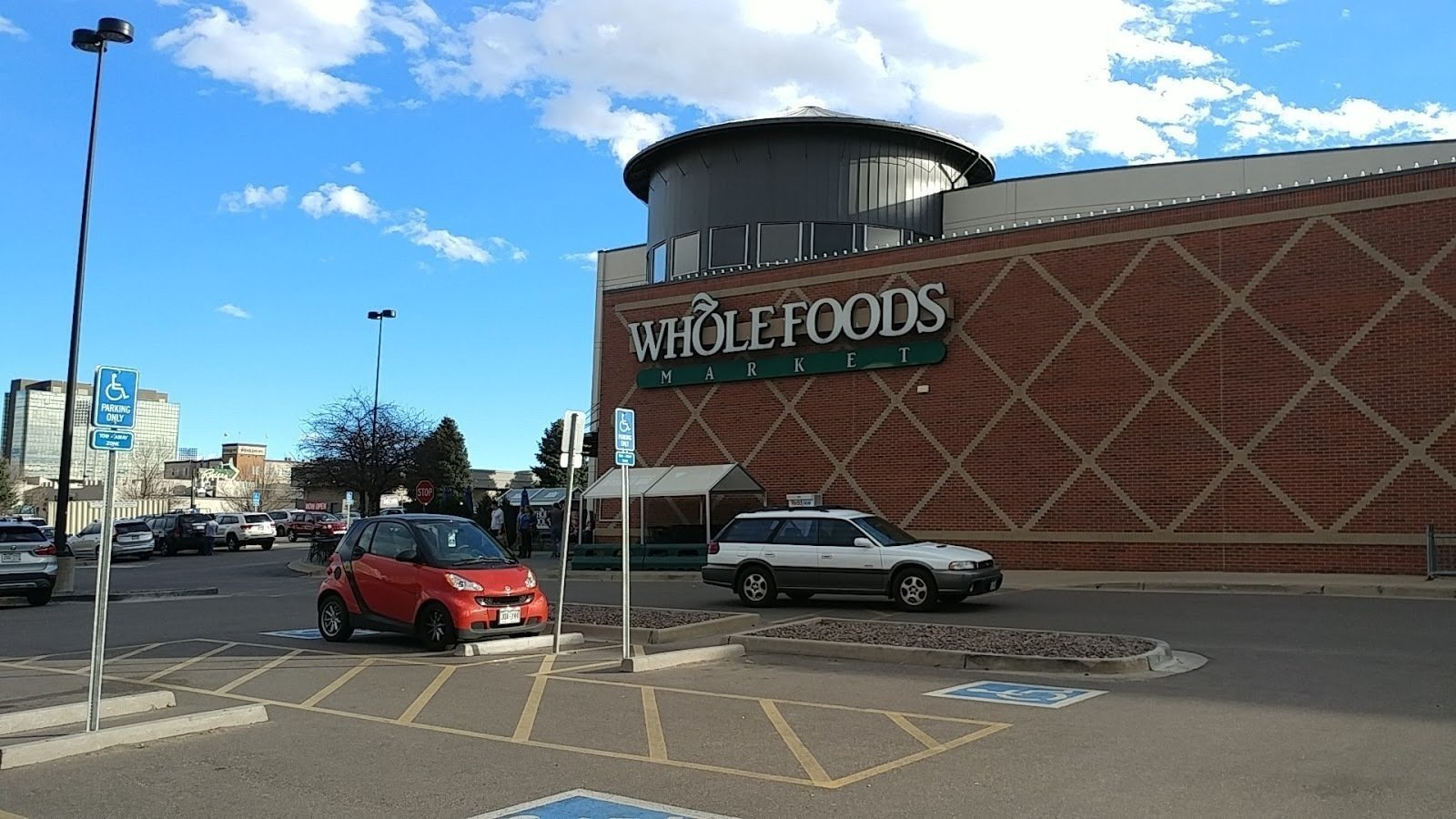 Whole Foods Market (Colorado Blvd): A Work-Friendly Place in Denver