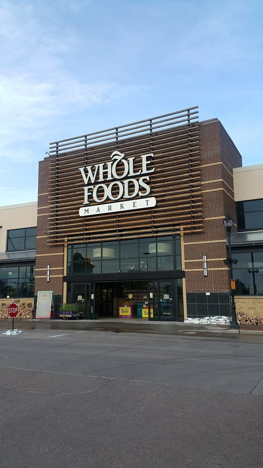 Whole Foods Market (SouthGlenn): A Work-Friendly Place in Denver