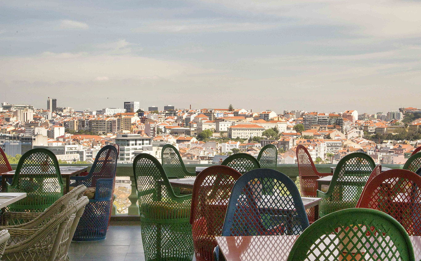 LostIn Esplanada Bar: A Work-Friendly Place in Lisbon