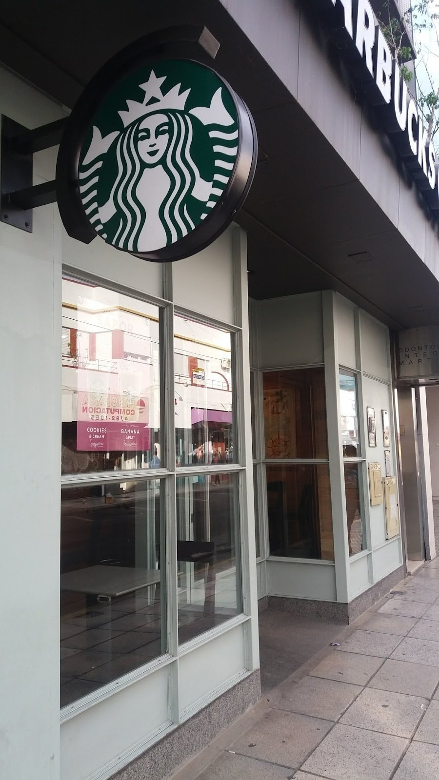 Starbucks Gral. Alvear: A Work-Friendly Place in Martínez