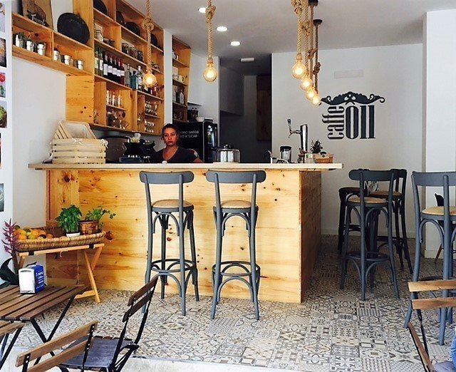 Caffe 011: A Work-Friendly Place in Palma