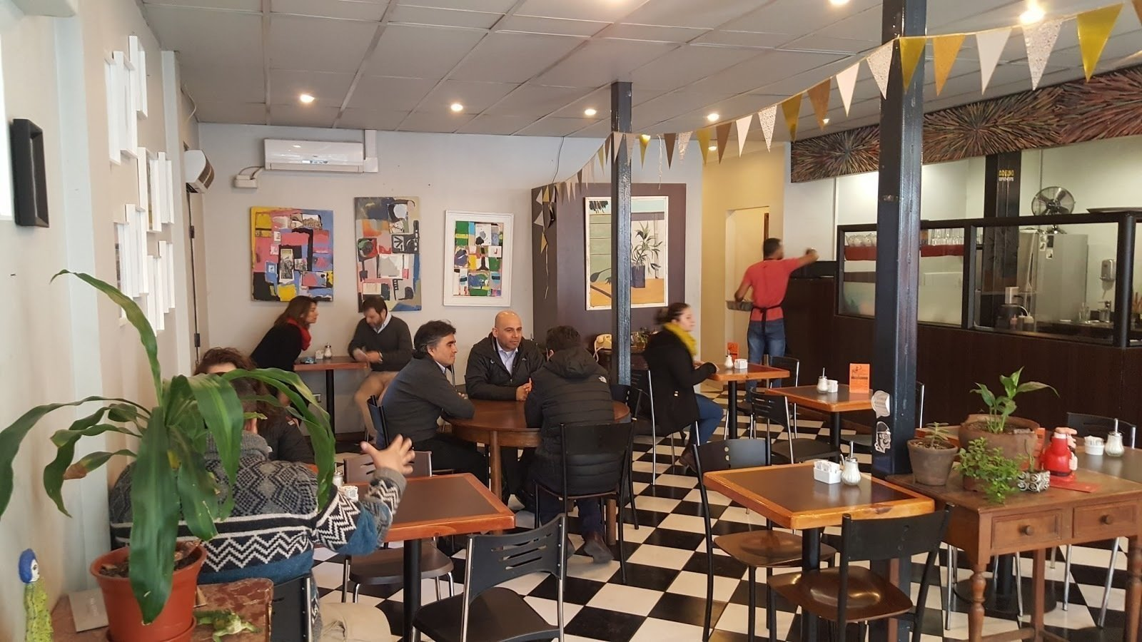 Café San Isidro: A Work-Friendly Place in Santiago