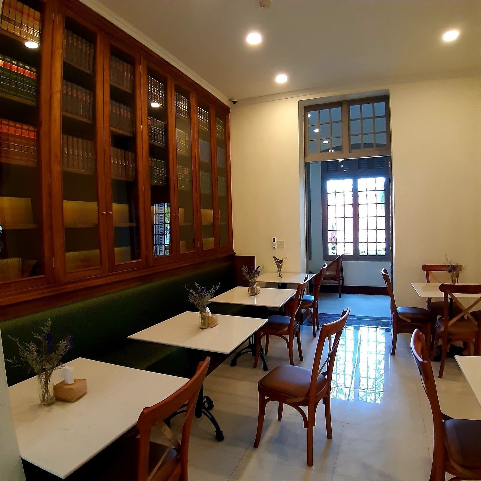 The Living Library Restaurant: A Work-Friendly Place in Vientiane