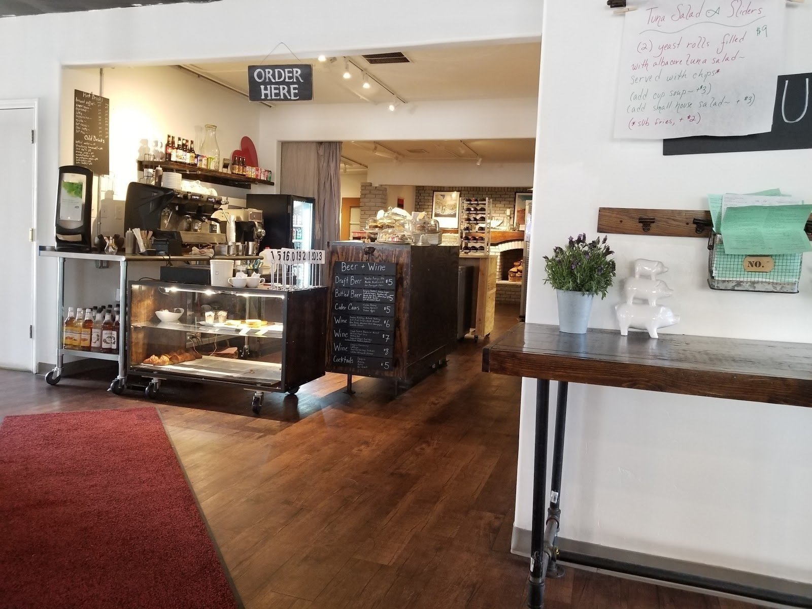 Pig + Fig Cafe: A Work-Friendly Place in White Rock
